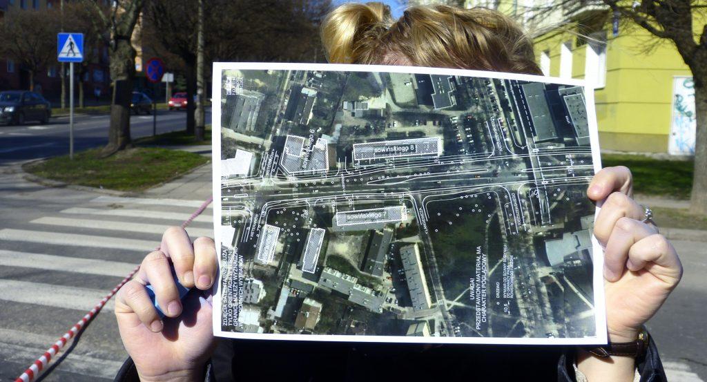 Fot. ulicy z lotu ptaka z nałożonym na nią projektem. Materiał pomocniczy aut. Krzysztofa Jaraszkiewicza.